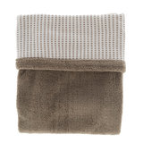 double-layer crib blanket (75x100 cm). Made in Turkey of 100% organic cotton and 100% recycled polyester. TOG 2.0 Warm Brown_