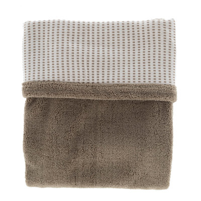 double-layer crib blanket (75x100 cm). Made in Turkey of 100% organic cotton and 100% recycled polyester. TOG 2.0 Warm Brown