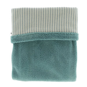 double-layer crib blanket (75x100 cm). Made in Turkey of 100% organic cotton and 100% recycled polyester. TOG 2.0 Smokey Green